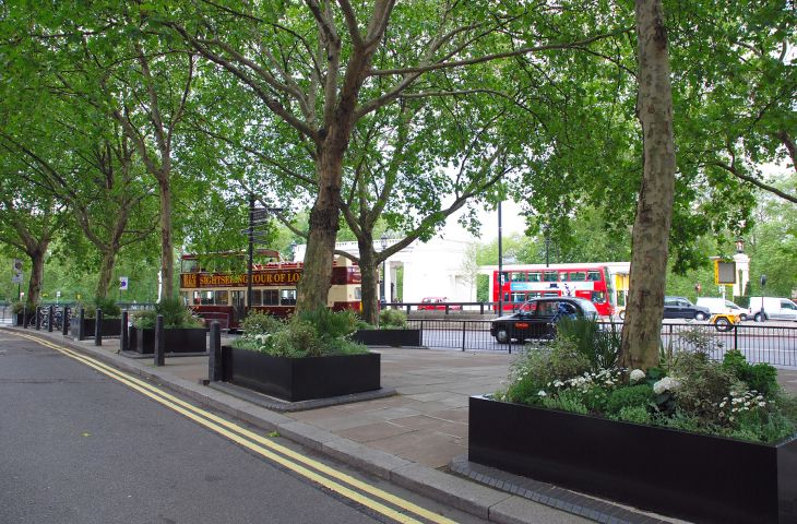 Bespoke steel street planters at the Intercontinental Hotel, Park Lane, London
