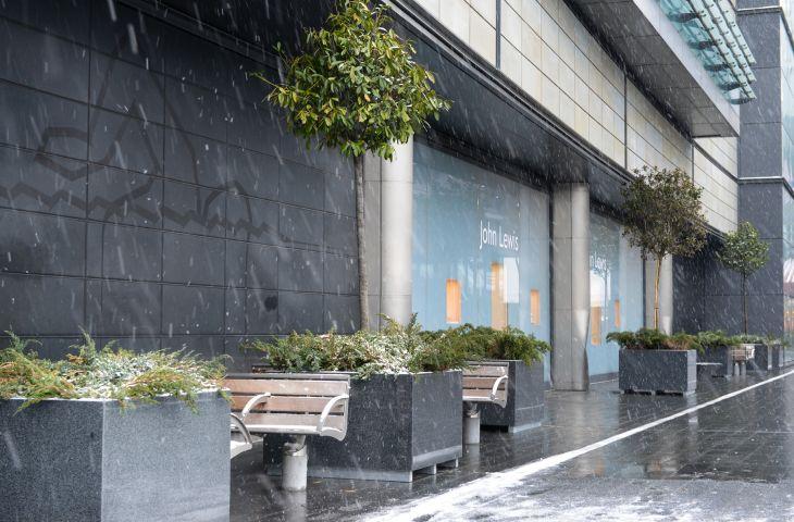 L 1200 x W 1200 x H 700mm granite tree planters
