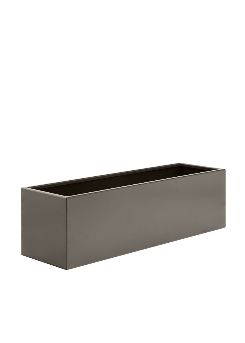 Outdoor steel planter in bronze