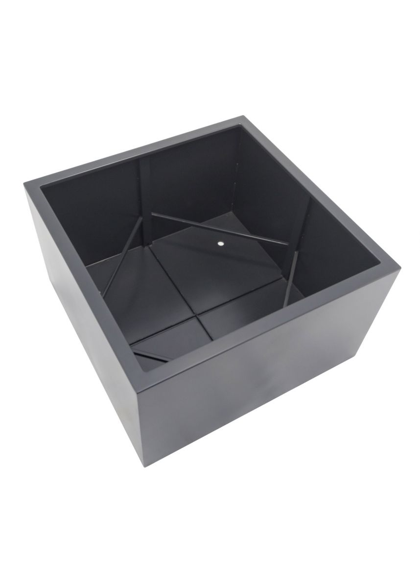 Steel planters strong internal bracing