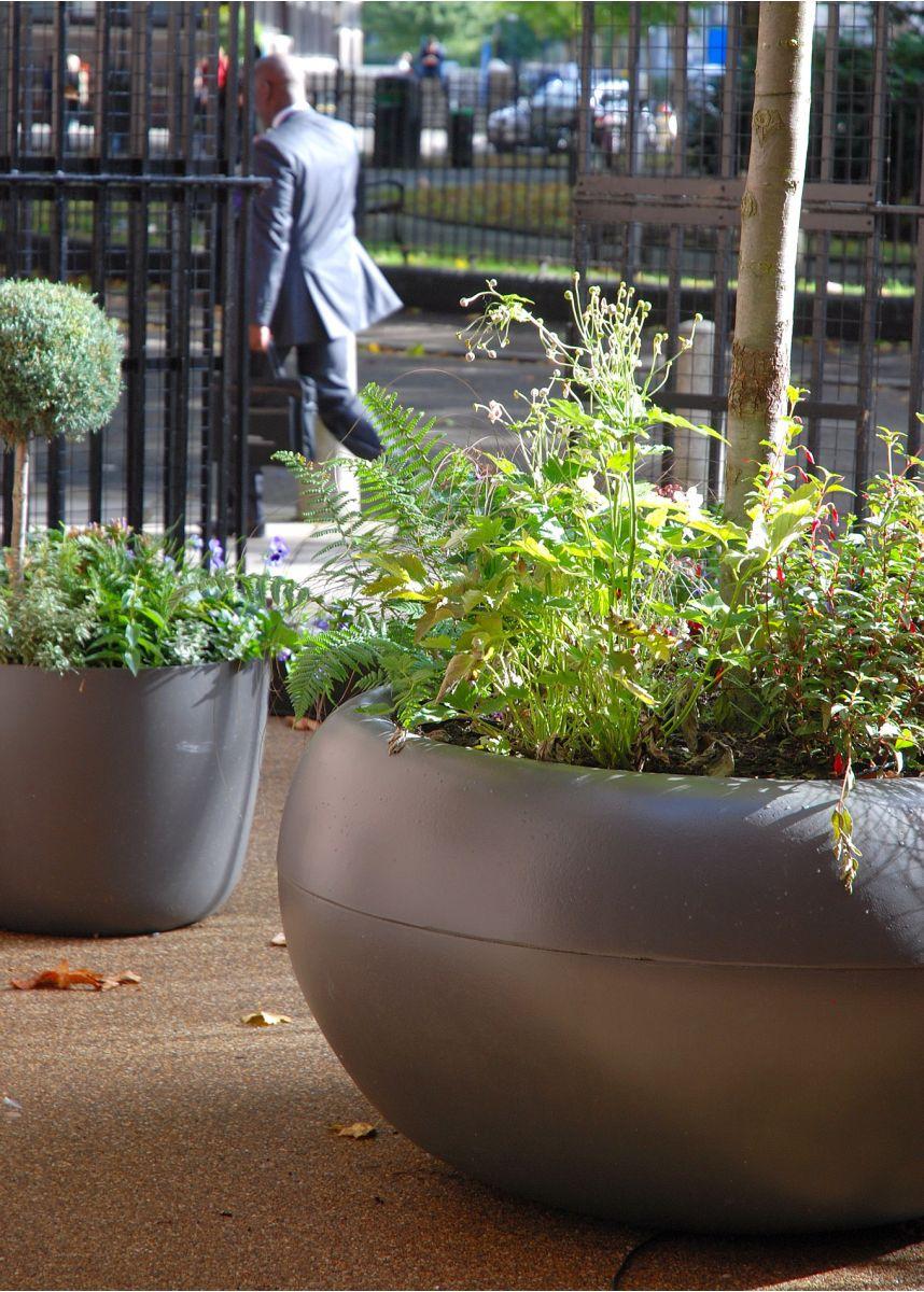 Aladin 690 litre large plant pot