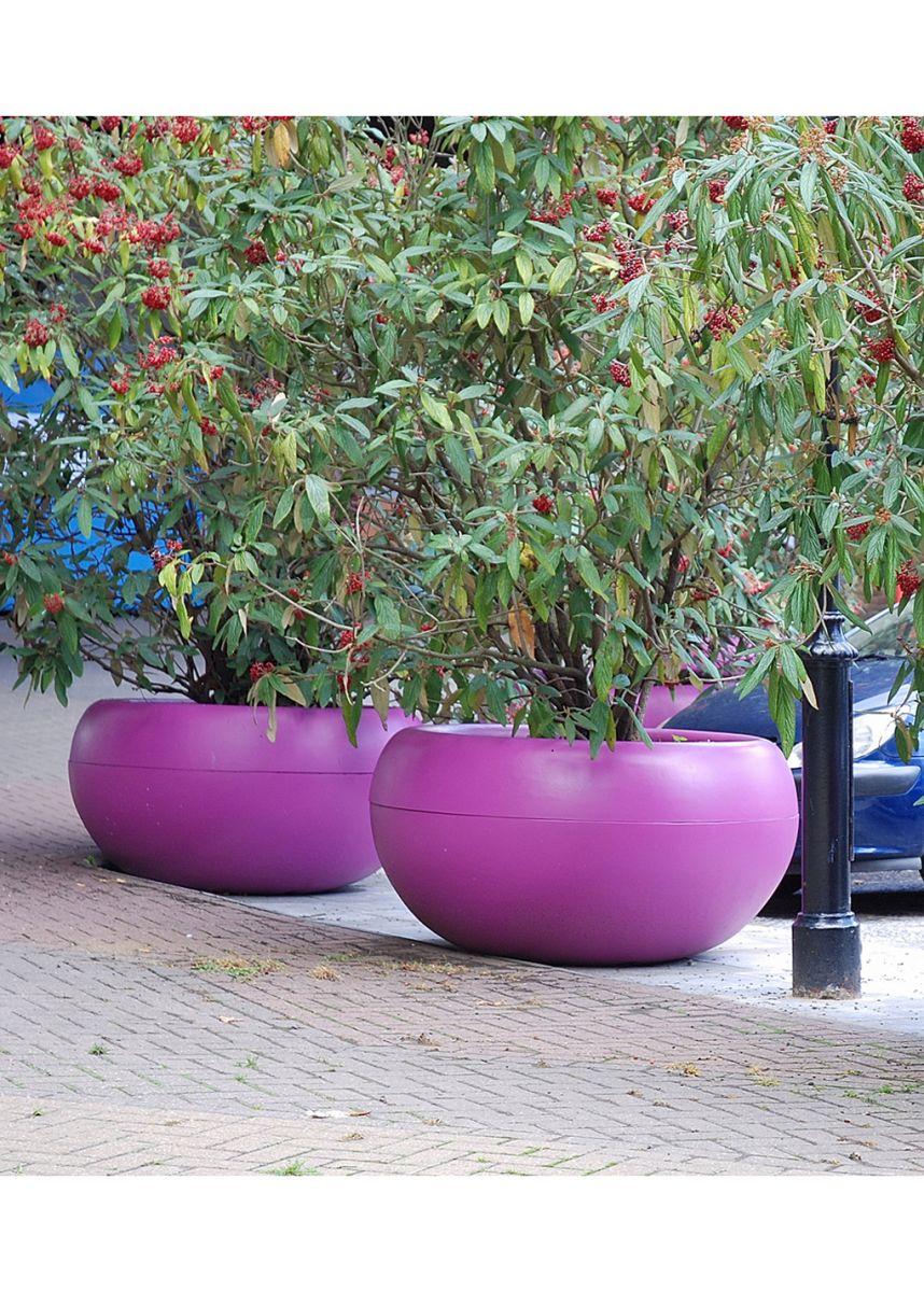Lightweight fibre reinforced cement planters