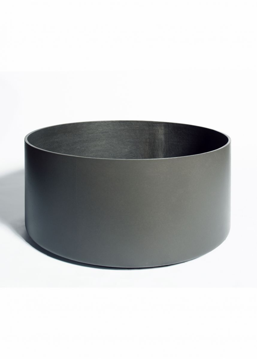 Low profile cylindrical planters