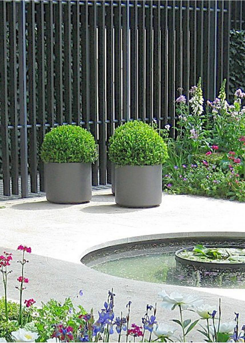 Rounded 45cm garden planters