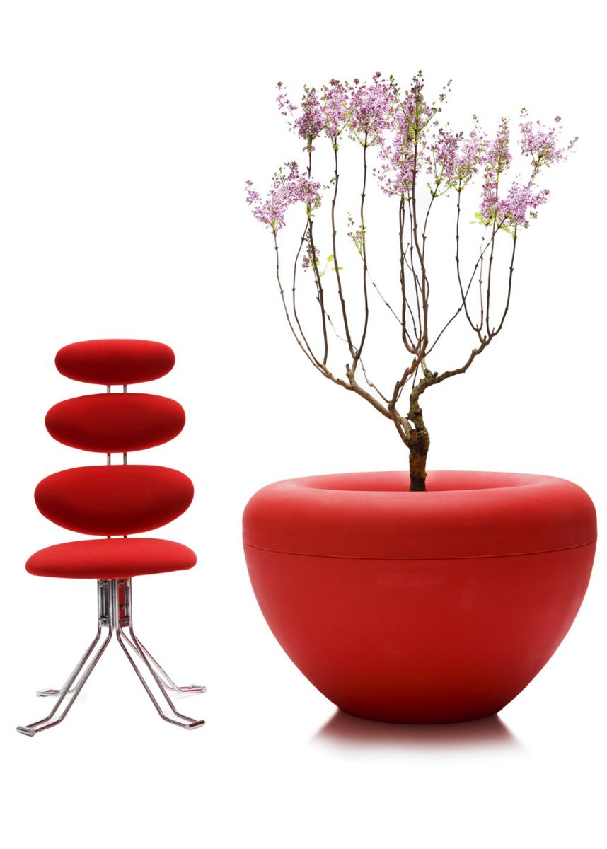 Modern design coloured planters