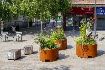 Brentford Market Square community planting project