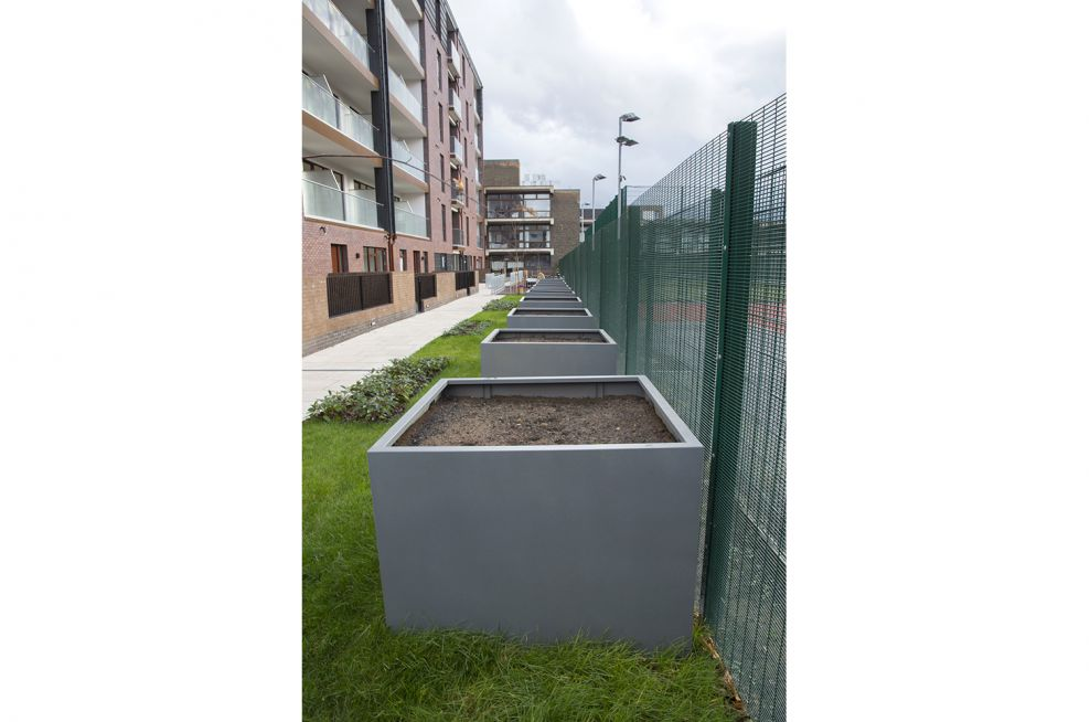 Steel Planters - Interpon 610 - Bismuth - MX302L