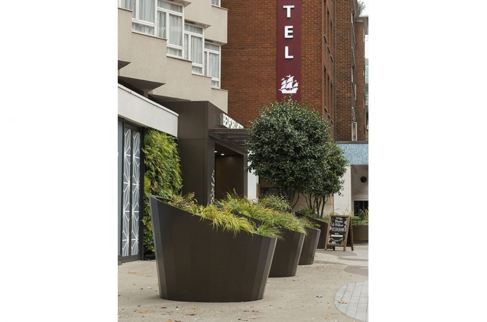 architectural_metalwork_exterior_streetscapes
