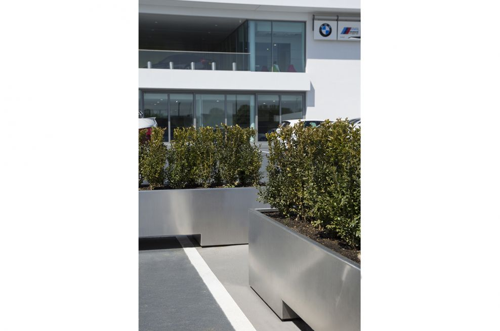 Steel Planters With Powder Coating For Weatherproofing