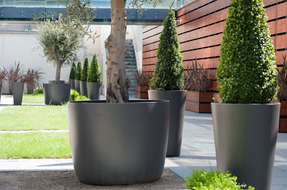 Boulevard KYOTO and ALTO planters