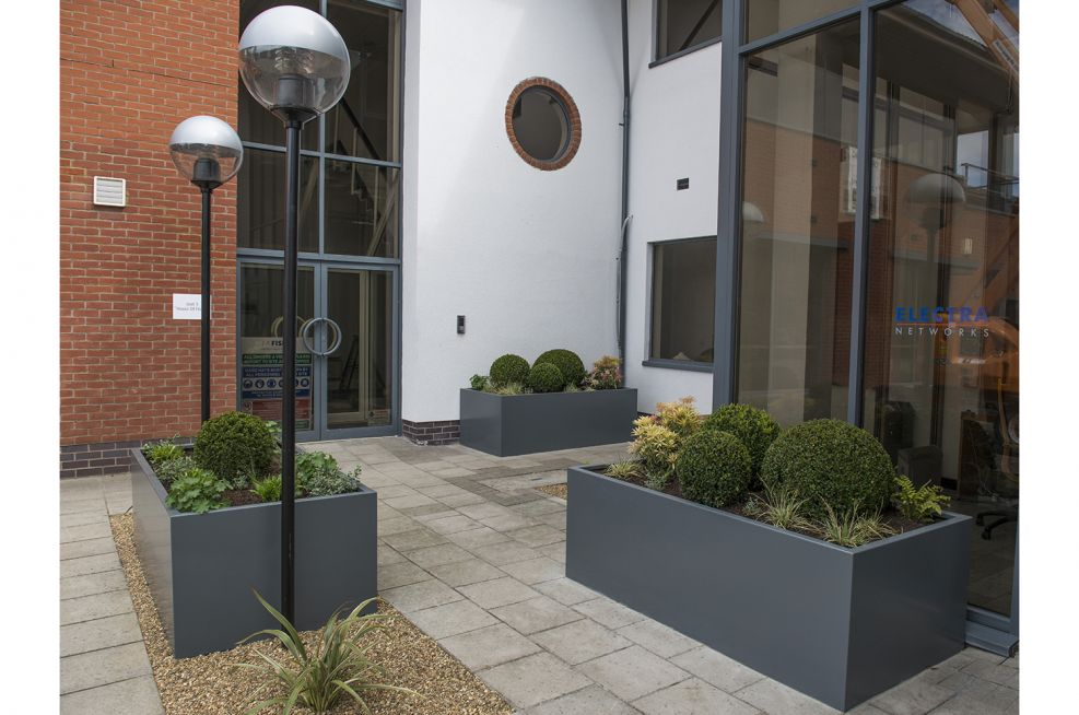 Robustly Constructed 3mm Thick Stainless Steel Planters