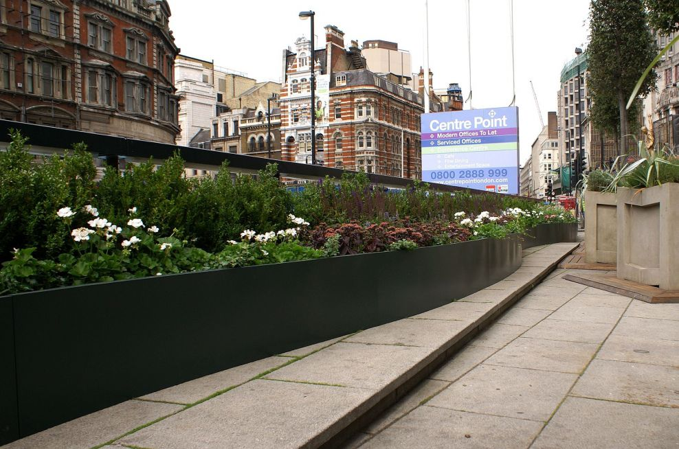 23m Curved Stainless Steel Trough Planters