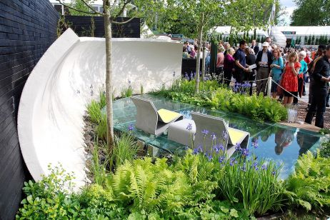 IOTA Spotneck Table And Chair At The Chelsea Flower Show