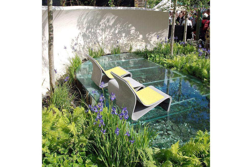 Witan Garden IOTA Sponeck Chair And Table