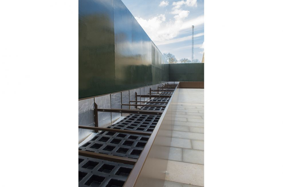 Large External Stainless Steel Planter