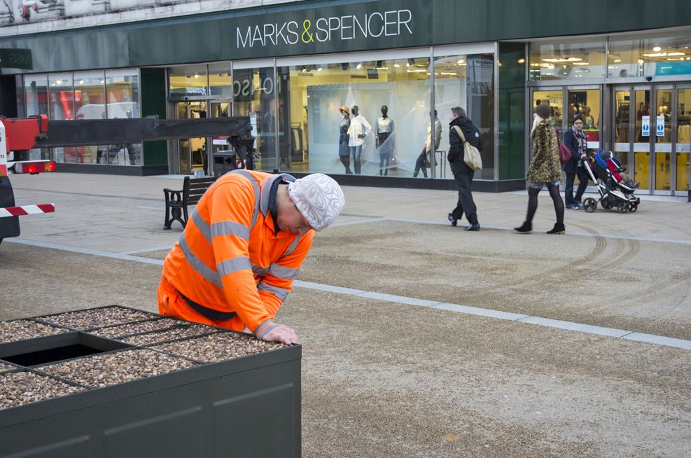 2 Section Lid to be deployed at Cheltenam High Street