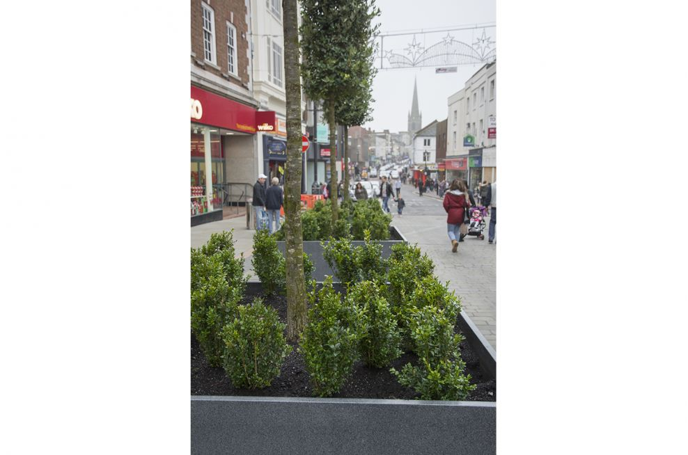 25mm Thick Granite Planters Supplied By IOTA