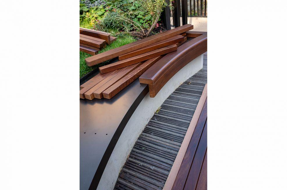 Bespoke curved oak bench installation