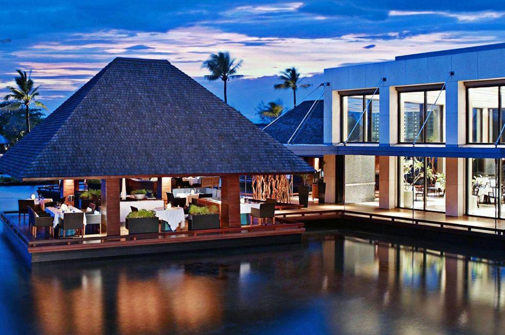 Extra Large Bespoke Planters For Four Seasons Resorts, Mauritius