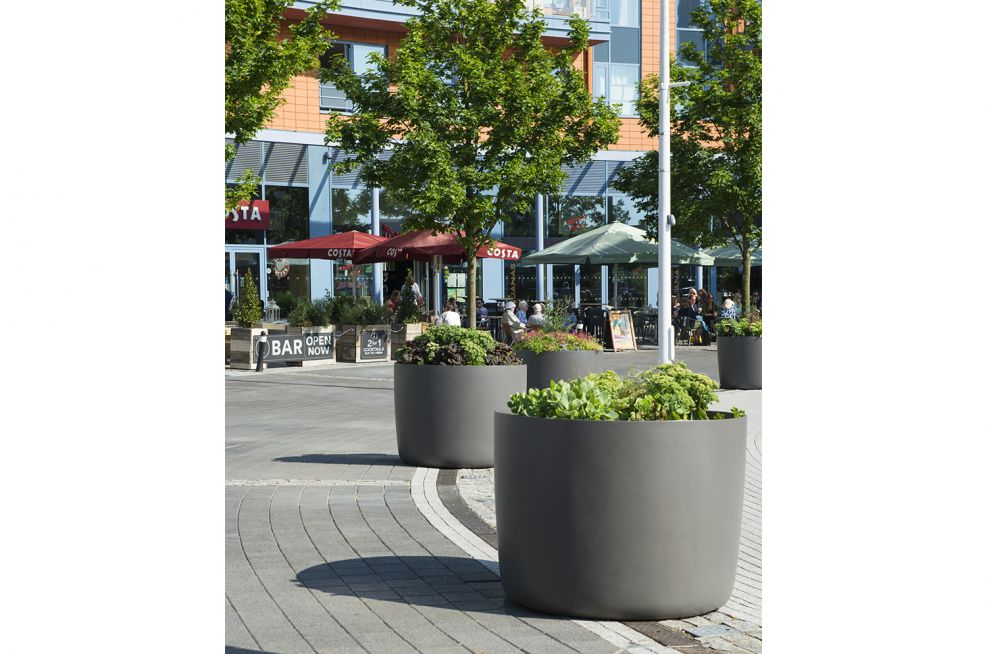 Fibre Reinforced Concrete Boulevard planters at Gunwharf Quays Supplied By IOTA