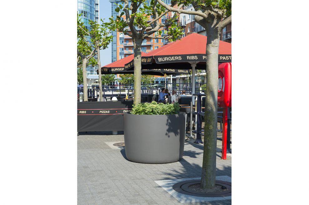 IOTA KYOTO Fibre Reinforced Concrete Boulevard Planters