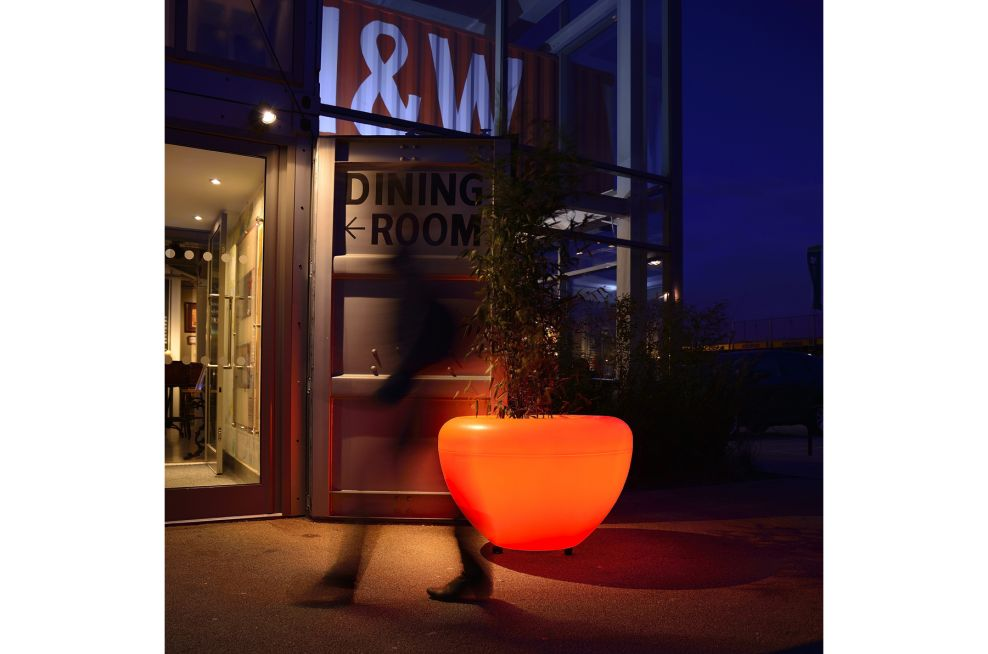 SCOOP Illuminated Planter Designed In Orage