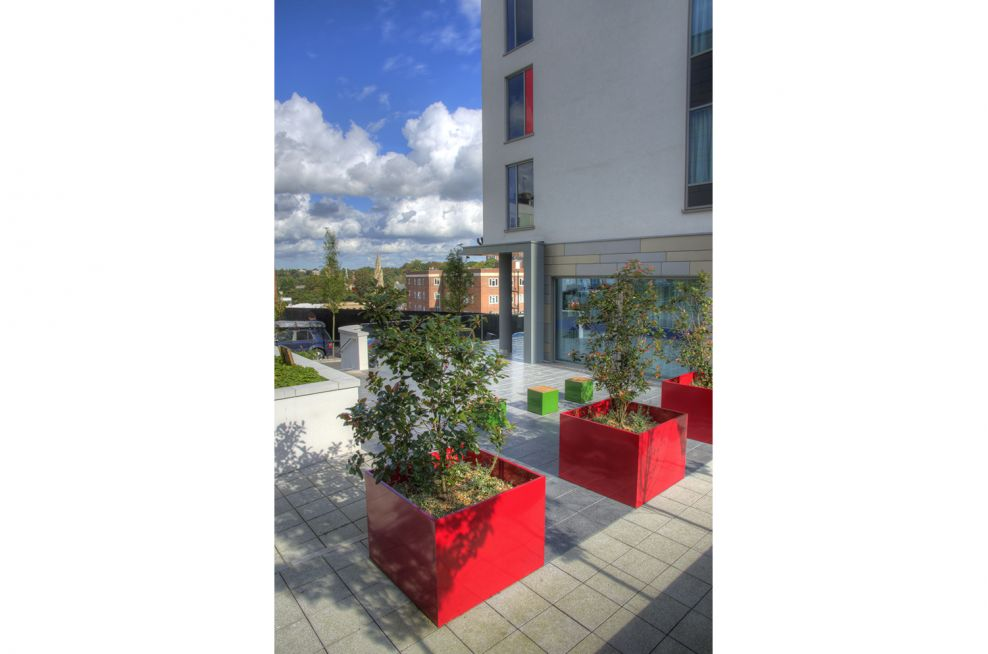 Polyester Powder Coated Ruby Red Steel Planters