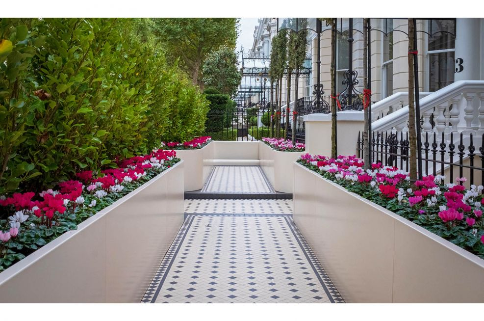 Custom planters for privacy frontage