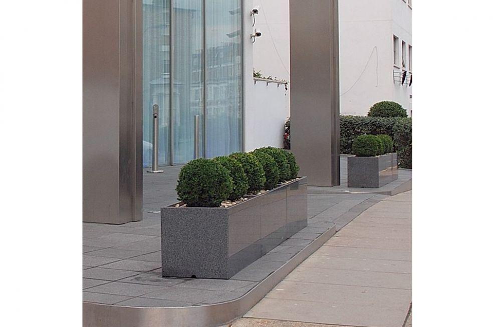 Granite 1000 Stone Street Planters