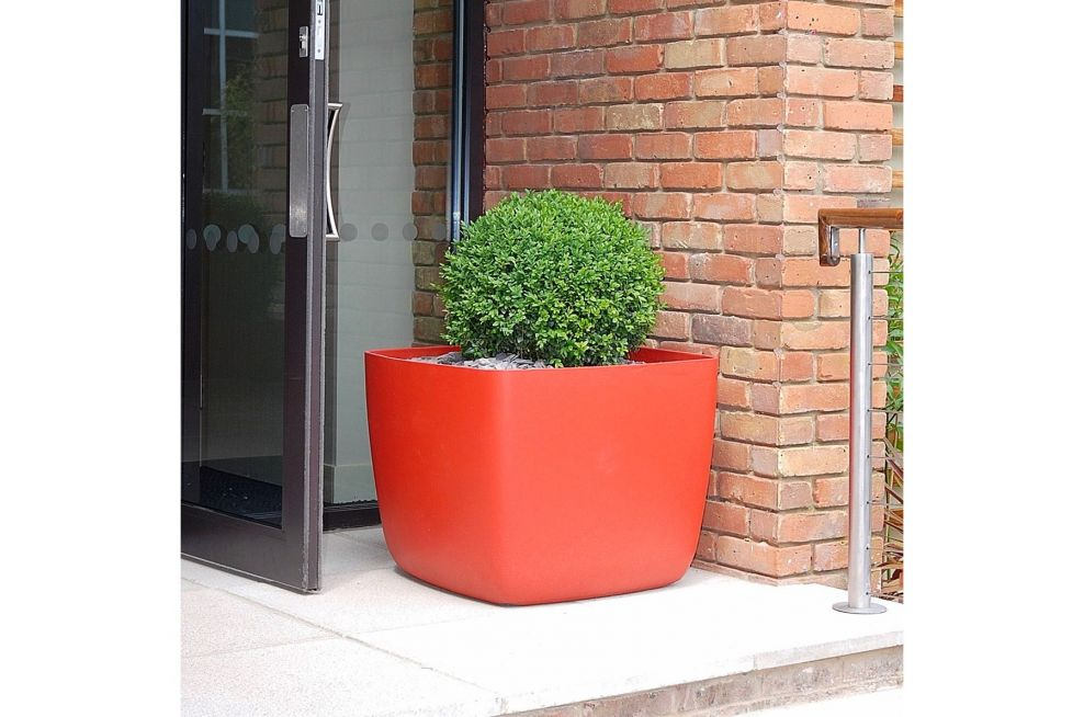 Coral Red Planters from The IOTA OSAKA Range