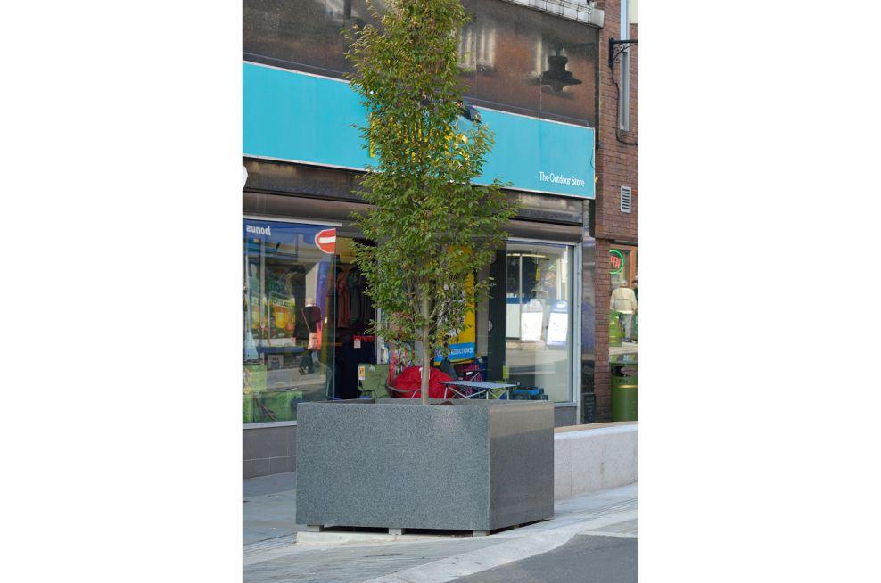 IOTA Parallelgram Tree Planters