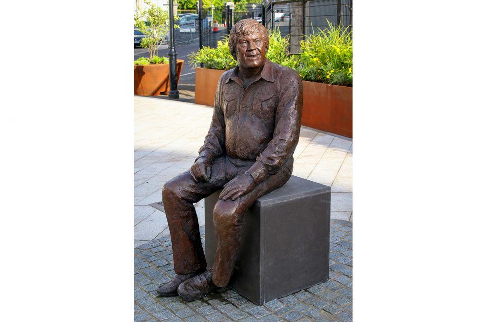 Big Tom McBride bronze statue