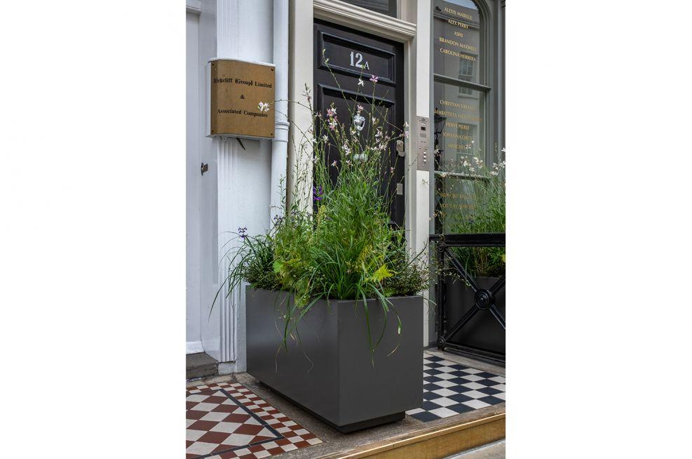 Bespoke entranceway planters