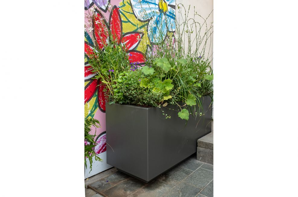 planters for high-end retail