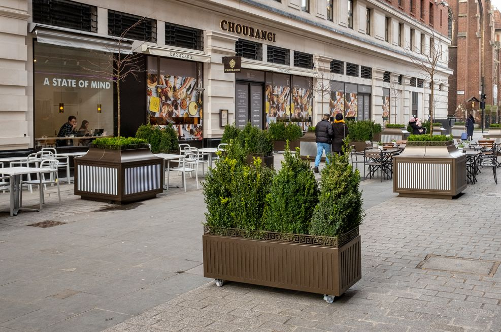 Movable decorative shrub planters