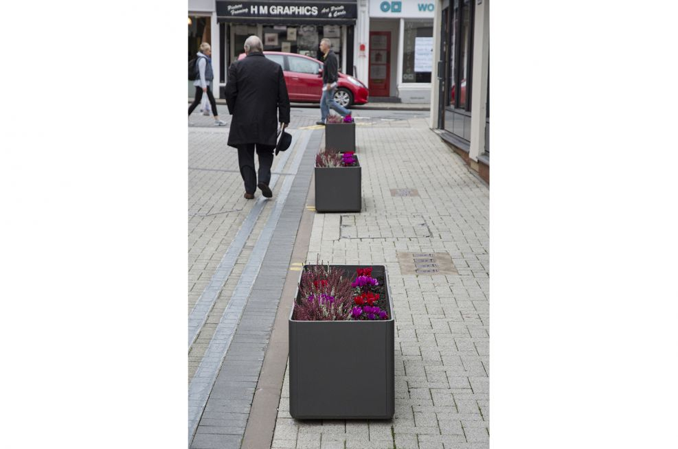 DELTA 45 Trough 140 Planters Lining The Highstreet
