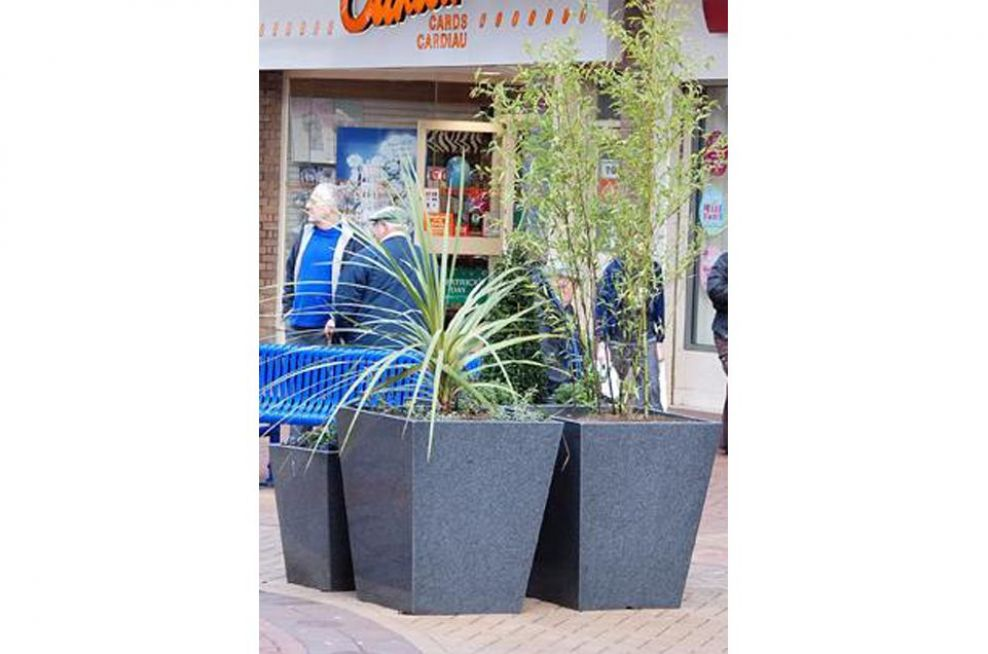 Granite Taper 800 and 600 Planters
