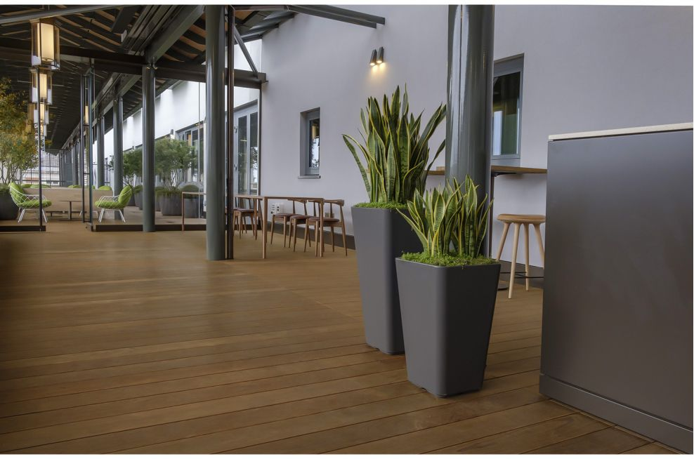 Lightweight Commercial Planters