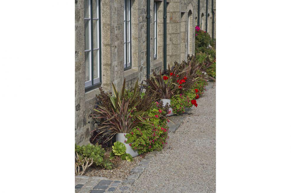 Boulevard Plantship Planters