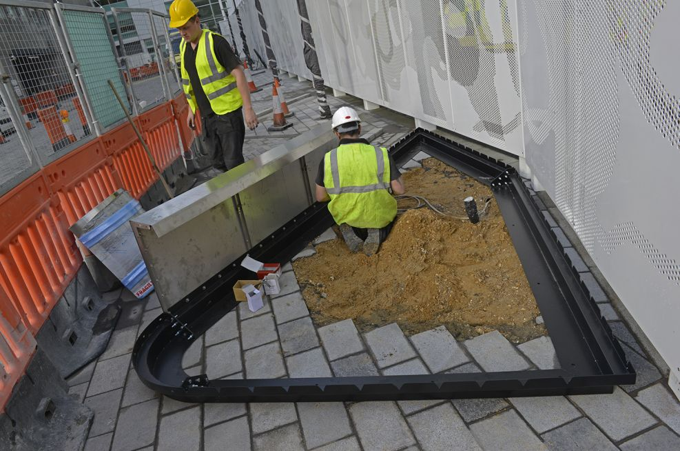The planters were based around a reinforced, single-skin construction, with integral steel plinths