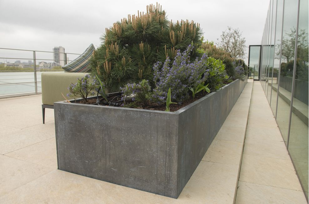 Waterproof Tall Trough Planters Plated With Zinc