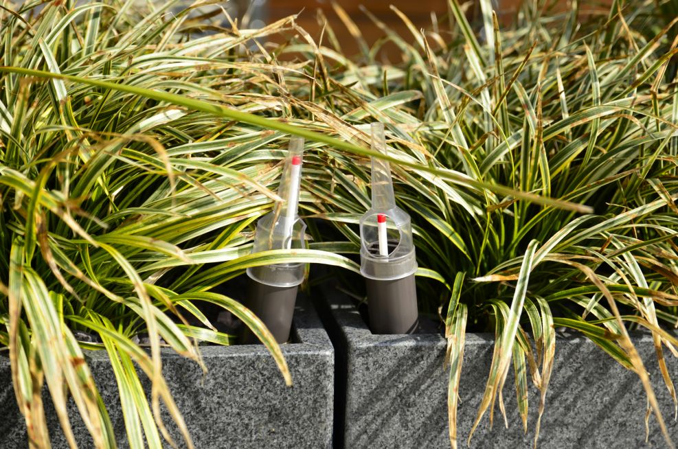 Internal Reservoir System For Planters