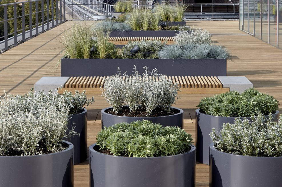 Circular Steel Powder Coated Planters And Trough Planters