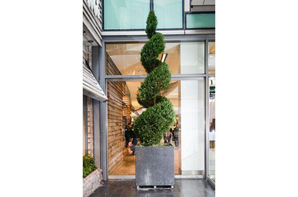 Cube 1000 Granite Planter Stratford City