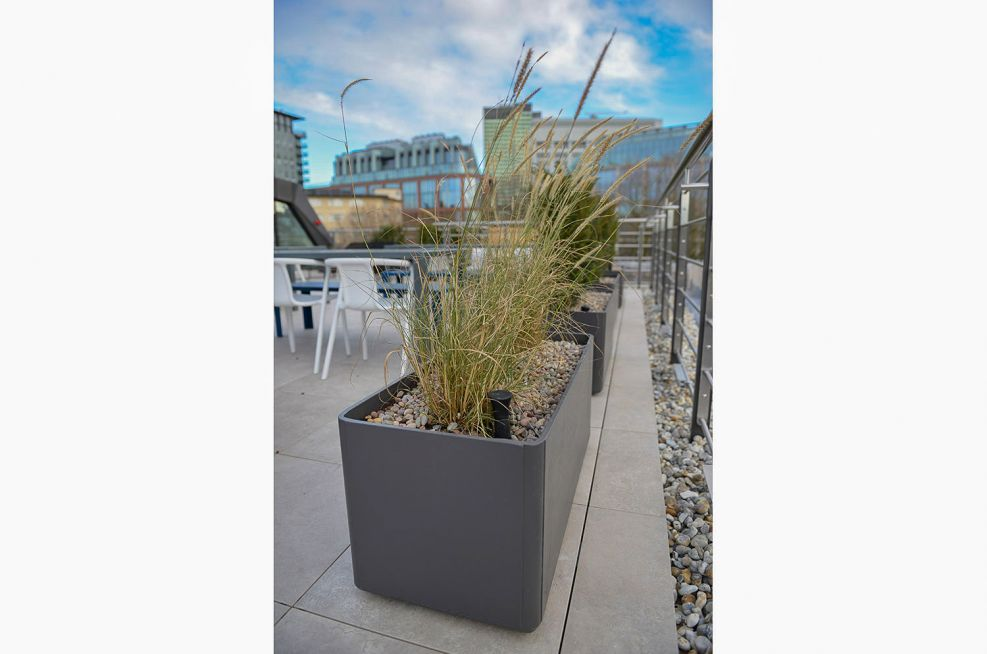 Trough planters with 200l capacity