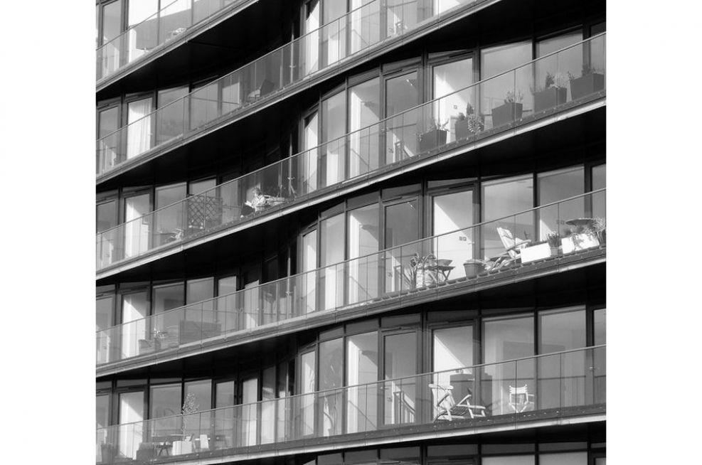 XXIII Ravelston Terrace Planters On The Balcony