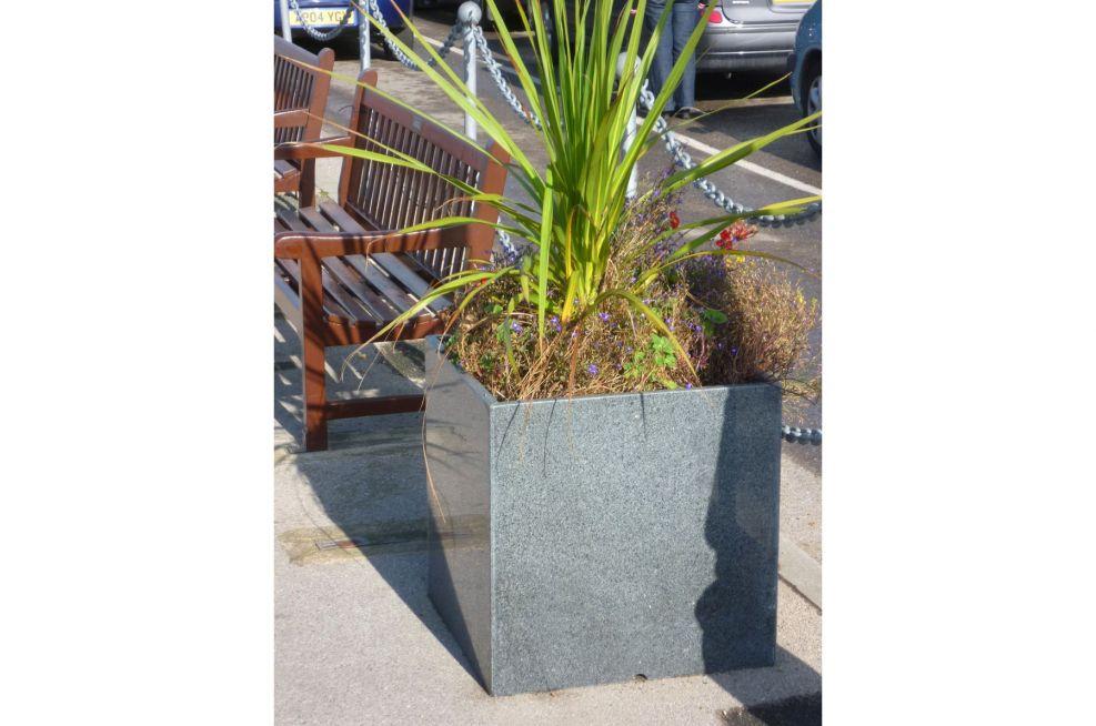 Yarmouth Harbour Granite 600 Planters