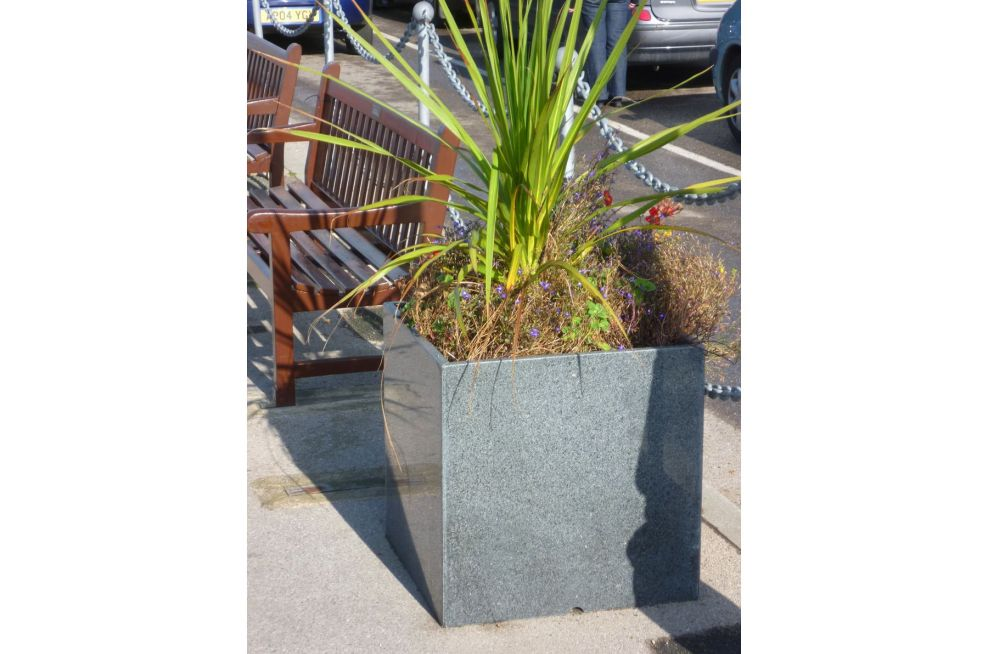 Yarmouth Harbour Granite 600 Planters