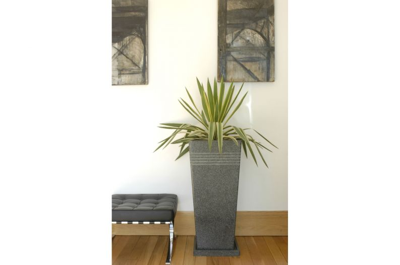 Granite Quinto Tall Taper XL planter